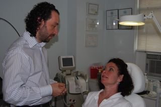 Byhovsky gives a client consultation