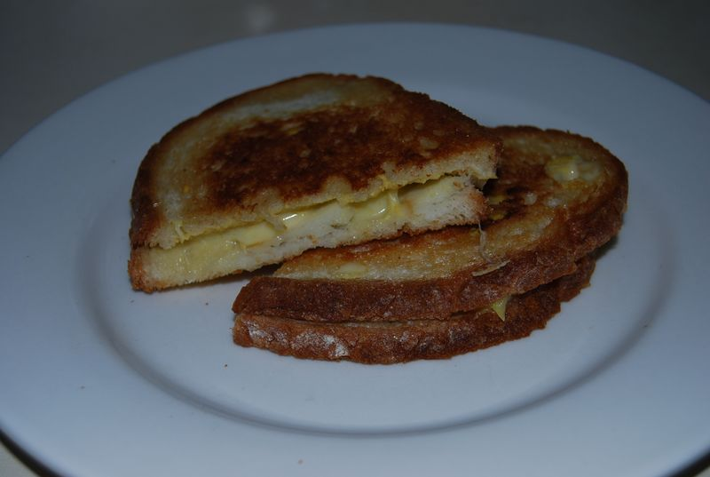 Ain't it grand - a grilled cheese with sweet honey crisps