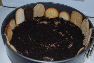 Creating the cookie crust