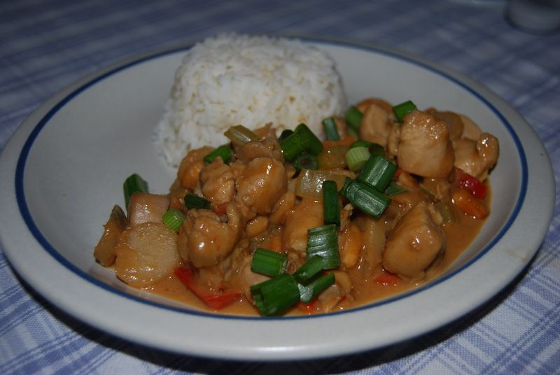 Spicy Thai Chicken with Peanut Sauce - meals in minutes